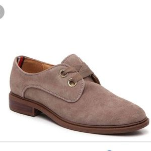 NEW Tommy Hilfiger• Jouston Oxford shoes